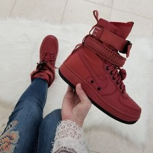 Nike Women's Special Forces Air Force 1 Hi Top